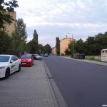 Parkplatz Gehweg, der Pltaz rechts wurde gesperrt